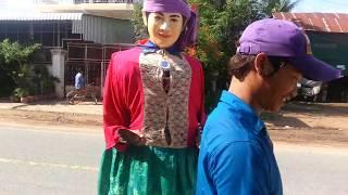 Parade Ting Mong - Funny Ting Mong - New ting mong street dancing - Watch parade mong say