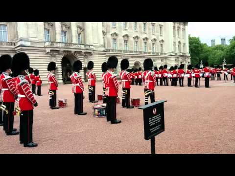 Changing of the Guards Buckingham Palace (Earth, Wind & Fire)