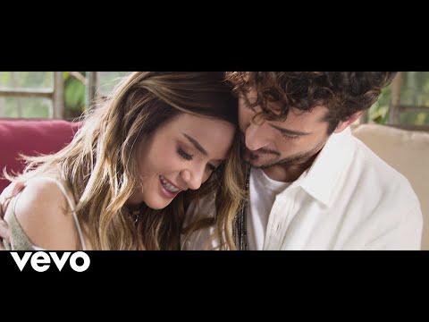 Kany García, Tommy Torres - Quédate (Official Video)