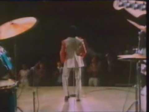 Faceoff:James Brown vs Michael Jackson