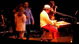 Pais Tropical - Sergio Mendes and Brasil 2012 Live in Manila