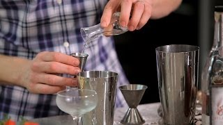 How to Make Simple Syrup | Cocktail Recipes