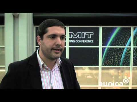Aunica entrevista Douglas Bocalão - Adobe Summit 2013