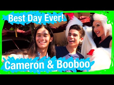 Booboo and Cameron From Disney's Descendants Go on an EPIC SCAVENGER HUNT   BDE   WDW Best Day Ever