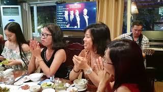 Chủ quán ăn Hoàng Long Tỉu hát Chiếc Khăn Piêu chẳng thua kém Tùng Dương