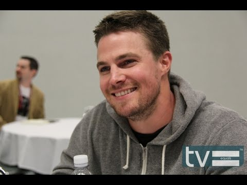Stephen Amell Interview - Arrow (CW)