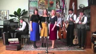 Bekijk video 3 van Swing Sisters op YouTube