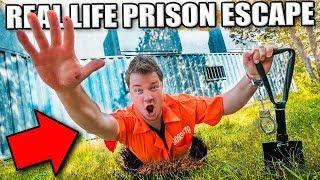 PRISON ESCAPE CHALLENGE THROUGH SECRET UNDERGROUND TUNNEL? Escaping The Hacker (24 Hour Challenge)