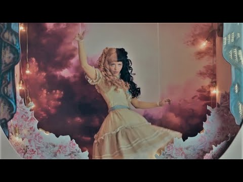 Show & Tell - Melanie Martinez (Music Video)