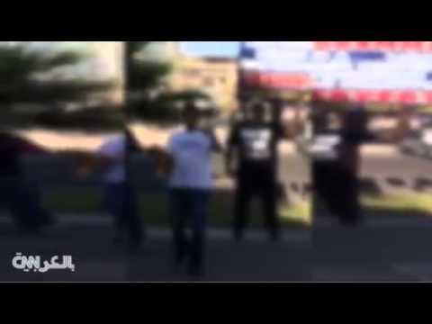 شاهد.. متظاهرون يمزقون ويهينون المصحف الشريف أمام مركز إسلامي بأريزونا