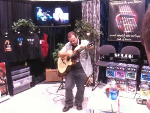 Andy Mckee playing 'drifting' at the 2010 namm show