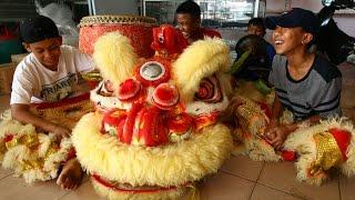 Catch Kg Muara Tebas lion dance troupe in Kuching