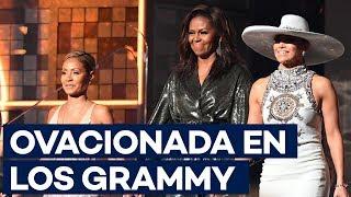 """Michelle Obama, ovacionada en los Grammy: """"La música nos ayuda a compartir"""""""