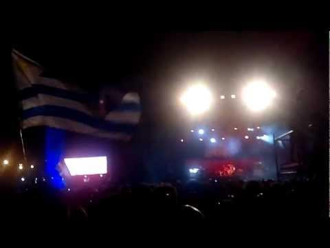 Molotov: Perro Negro Granjero y Voto Latino. Montevideo  01/11/13