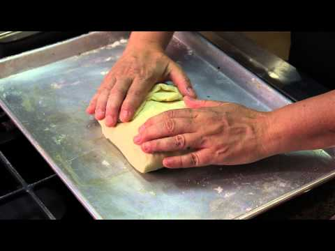 Salmon En Croute With Spinach & Gruyere : Elegant & Delicious Recipes - Smashpipe Style