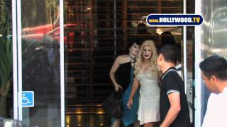 Sultry Christina Aguilera Departs BOA Steakhouse With Nicole Richie