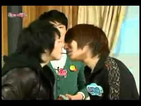 Gay Kissing Games 112