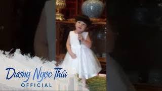 Con gái Dương Ngọc Thái hát Gọi đò hay xuất sắc trước đám đông