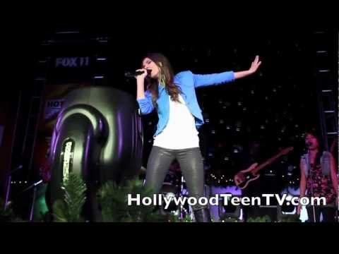 Baixar Victoria Justice Performs 'All I Want Is Everything' LIVE! (HQ)
