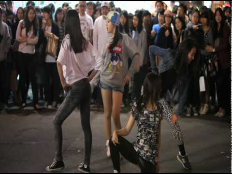 Girl'sDay HongDae Flash Mob 2010.04.24_데뷔초창기