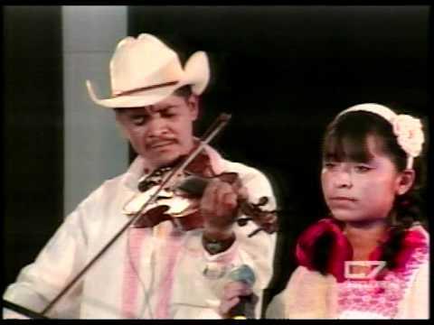 Marisela González y el Trío Huasteco Hñahñú -LAS CUATRO PALOMAS-Ago-2010-..mpg