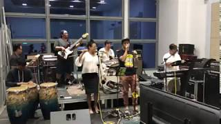 Singa Ragga Performing a Cover of Kembali by Steven and the coconut tree