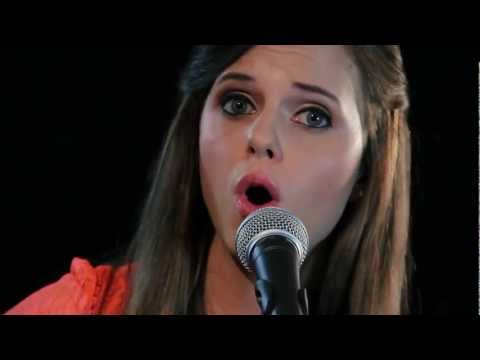 Baixar Ellie Goulding - Lights (Cover by Tiffany Alvord) Music Video
