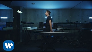 charlie-puth-attention-official-video.jpg