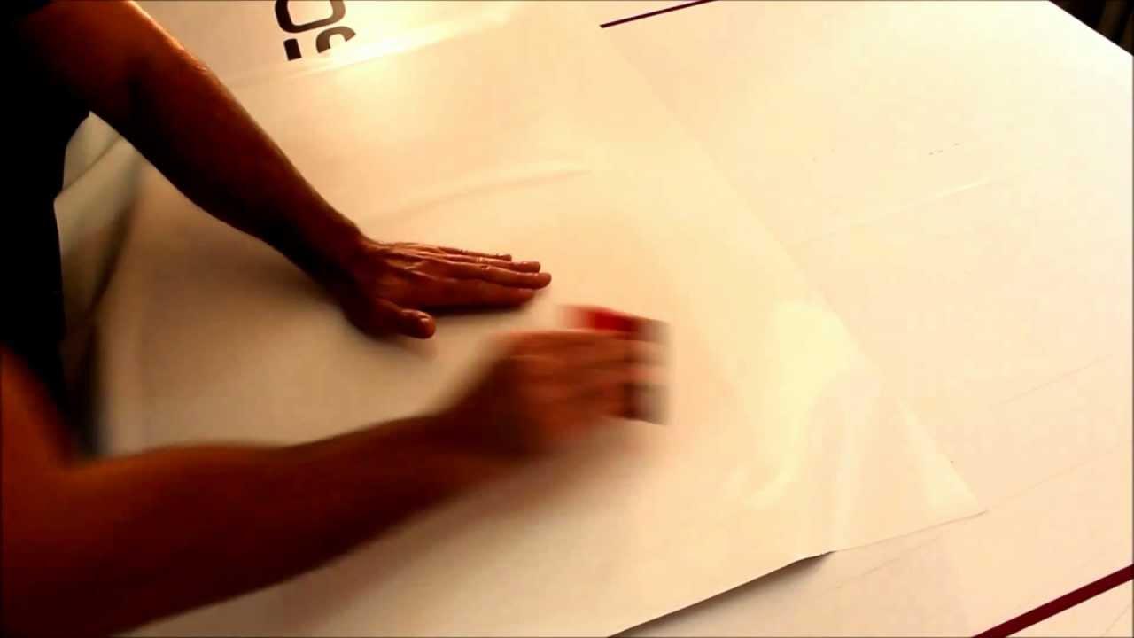 klebefolie auf holz trocken verkleben youtube. Black Bedroom Furniture Sets. Home Design Ideas