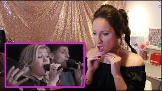 Vocal Coach REACTS to KELLY CLARKSON & PENTATONIX- MY GROWN UP CHRISTMAS LIST