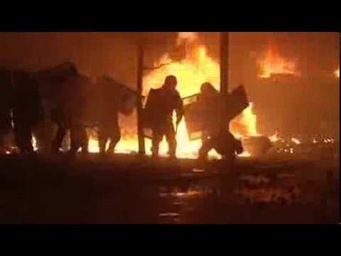 Відео як протестувальники на Майдані спалили БТР