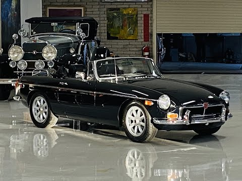video 1973 MGB Roadster
