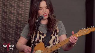 """Honeyblood - """"She's a Nightmare"""" (Live at WFUV)"""