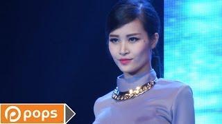 Liveshow New Hits - Lắng Nghe Tim Em - Đông Nhi [Official]