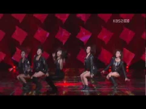 [21228 2012 가요대축제] - Suzy (miss A) vs Goo Hara (KARA) - Dance Battle