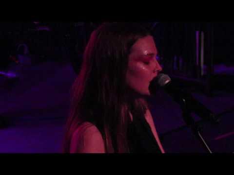 Maggie Rogers - # (demo) (Live in Cambridge)