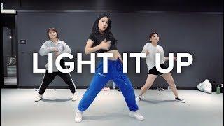 Light it Up (feat. Nyla & Fuse ODG)[Remix] - Major Lazer / Beginner's Class