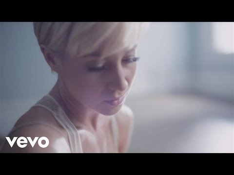 Kellie Pickler - Someone Somewhere Tonight (Official Video ...