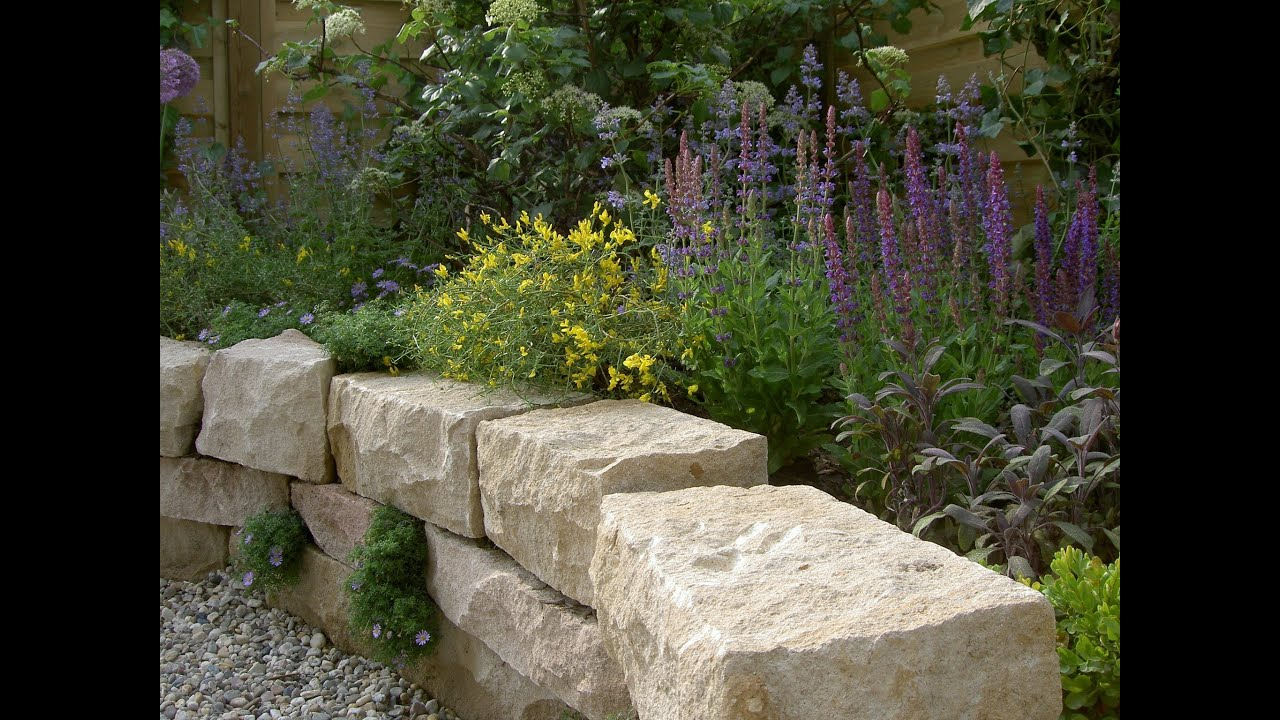 trockenmauer und terrasse arbeiten mit naturstein