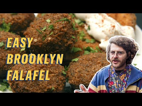 The Best Cheap Falafel in NYC || $5 Lunch
