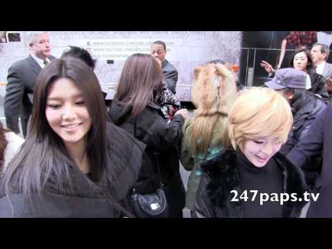 Girls Generation invades New York City (Fan Cam)