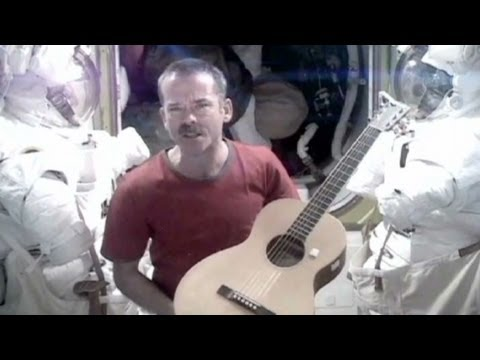 astronaut sings space oddity - photo #7