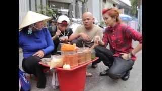 [Bếp Chiến] Gil Lê và Sơn Tùng làm bánh tráng trộn (Phần 2)