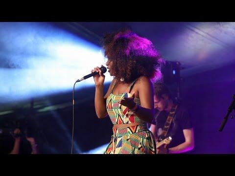 NAO - In The Morning (Glastonbury 2015)