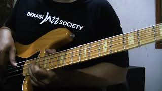 Smooth jazz bass solo