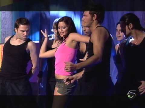 Holly Valance - Kiss Kiss (Salsa Rosa 22.02.2003)