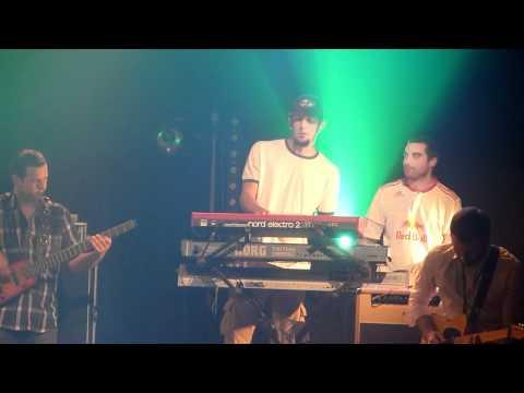 Baixar Danakil & Groundation - Welcome to Jamrock Live au RDV Sonique St Lô 11-11-11 By Romguitare
