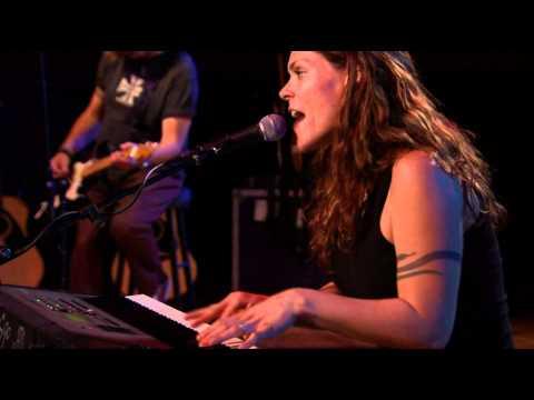 Beth Hart - Lights On (Live)