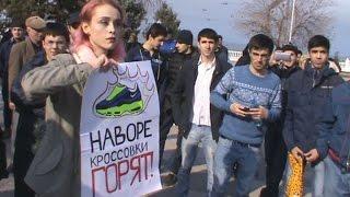 """Махачкала: акция Навального """"Он вам не Димон"""""""