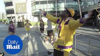 Lakers fans go wild after LeBron James announcement
